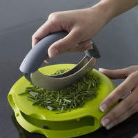 Compact Herb Chopper 2-in-1 Cutter and Chopping Board