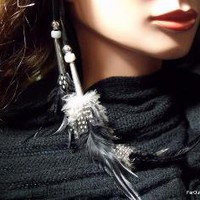 Nineva Retro Feather Clip by FarOutFeathers on Etsy
