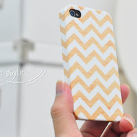 Apple iphone  case for iphone  iphone 4  iphone 4s :wood and white Chevron (not real wood)