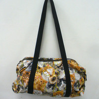 2 LEFT Cat Duffle