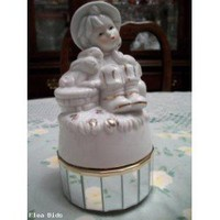 music box girl & bunnies, mirrored base (Swan Lake) (Auction ID: 122028, End Time : N/A) - FleaBids Auction House