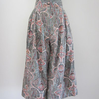 80s Paisley High Waisted Wide Leg Capri Pants, XS-S, W26 // Vintage Summer Gauchos // Made in USA Shorts