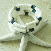 White Clam Shell, Starfish Charm/ Memory Wire Bracelett/ Beach wear/ Summer jewelry/ Handmade bracelet/ Gift