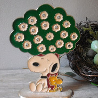 vintage Snoopy WoodStock Metal and enamel Earring Tree ... 1965