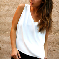 SCOOP neck vintage 80s 90s white boxy SLOUCHY tank top