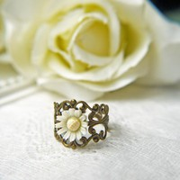 Vintage White Daisy Ring. Purity. Innocence. Language Of Love. Antique Brass Filigree Ring. Romantic