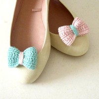 Crochet bow shoe clips