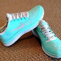 NIB NIKE WOMENS FREE RUN 3.0 V4 Tropical TWIST  BLUE SIZE 7 Running Shoes