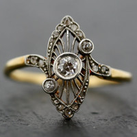Antique Art Deco Ring - Vintage Diamond Art Deco 18ct Gold & Platinum Ring