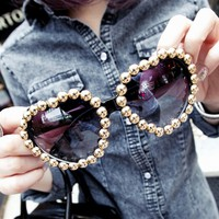 Heart Shaped Rivet Sunglass