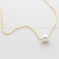girlsluv.it - simple PEARL necklace, 2 colors