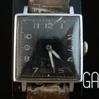 Vintage military Solix square watch from the 30s by GAALcollection
