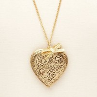 Etched Heart Locket Necklace: Charlotte Russe