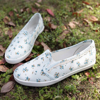 Floral Lace Canvas Shoe