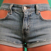 Cut Out High Waisted Levi Jean Shorts
