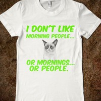Grumpy cat hates mornings and people