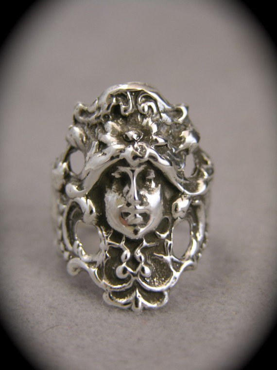 Silver Victorian Face Ring by freedomjewelryusa on Etsy