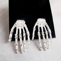 skeletons hands stud earrings