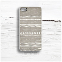 iPhone 4 and iPhone 4S case, Hand Drawn Geometric Tribal Pattern on Linen iPhone case design, Navajo Pattern on Linen iPhone cover I53
