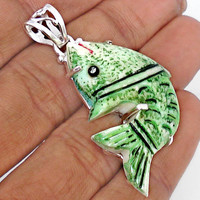 27.35ct CLASSIC CARVED BONE GREEN FISH 925 STERLING SILVER PENDANT JEWELRY B9208