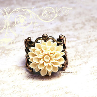 Lauren. Ivory Mum Ring. Adjustable Flower Ring. Vintage Style Boho Jewelry.
