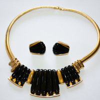Vintage Necklace Napier Black Lucite Pendant Collar Earring Set 1970s Jewelry
