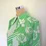 70&#x27;s blouse with dagger collar. Green and white 1970&#x27;s Nylon blouse. Vintage shirt / Vintage blouse.