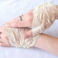 Pearl Gloves: Fingerless Lace gloves, Wedding, Bridal gloves,ivory, Pearls, Victorian, wedding, bride, bridesmaids, steampunk, Vintage