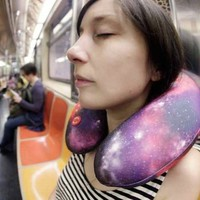 Kikkerland Space Vibrating Neck Pillow