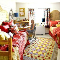 A cool, cute dorm room after decorating. < Creative Dorm Room Decorating Ideas - MyHomeIdeas.com