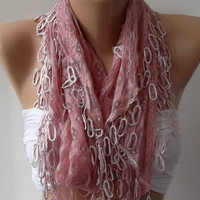 Mother&#x27;s Day gift Elegant scarf/shawl soft pink lace scarf