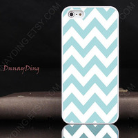 iPhone 4 case iPhone 4s case iphone 5 case - white & Blue Chevron iPhone Case