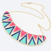 Contrast Collar Necklace with Wide Contrast Zig Zag Print Pendant