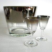 Silver Rimmed Glasses Dorothy Thorpe Era Ice Bucket by pillowsophi