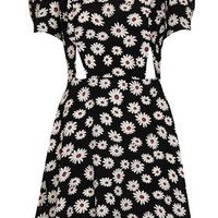Daisy Print Cutout Teadress - Dresses  - Clothing