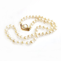 1960s Glass Faux Pearl Bead Necklace