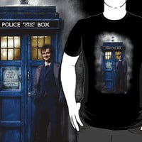 Tardis with doctor who with david tennant in the mist T-Shirt man and woman by Pointsalestore .com