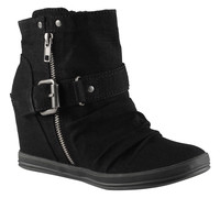 Buy ARREGUIN women's shoes sneakers at Call it Spring. Free Shipping!