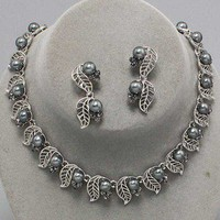 Beautifully Crafted Silver Leaves Crystal Pewter Glass Pearl Link Necklace Set