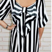 Black and White Bow Back Shift Dress