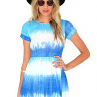 Missguided - Nayela Tie Dye Rolled Sleeve Skater Dress