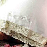 Victorian trading Co. - www.victoriantradingco.com - <i>Beautiful Dreamer</i> Silk Pillowcase