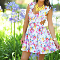 Floral Fun Dress: Off White/Multi | Hope's