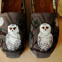 SALE Moody Owl TOMS Women's size 75 ready by PurpleLizardStudio