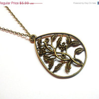 ON SALE Metal flower pendant necklace casual feminine delicate boho chic summer unique necklace