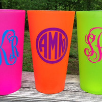 Personalized/Monogrammed Bright Colored 35 oz Plastic Cup (Set of 2)
