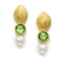 Rena Luxx - 6MM White Pearl Linear Earrings/Green