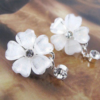 flowers rhinestone earrings