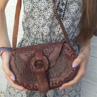 vintagel brown leather bag engraved tooled pattern boho from bizlizbiz