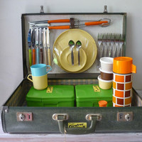 $45.00 Vintage  Picnic in a Suitcase by thefoxandthespoon on Etsy